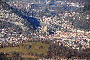 Foix vu du Roc du Prat de Redon (1088m)