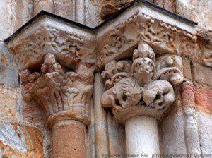 Eglise Saint-Volusien - Portail du XIIème siècle