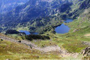 Etang de Rabassoles, étang Noir, étang Bleu vus du Sarrat des Escales (2119m)