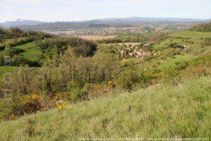 Vallée de l'Hers vue du chemin du piémont pyrénéen