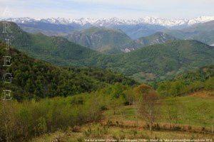 Vue sur la vallée d'Arnave - Les Brougues (1174m)