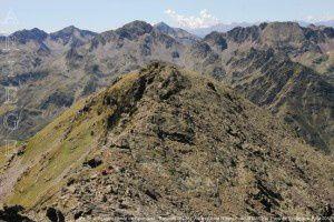 Pic de la Rouge - Pointe de Roumazet - Sommet  2822m vus du pic de l'Etang Fourcat (2859m)