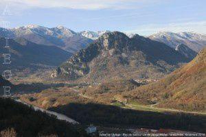 Vallée de l'Ariège - Roc de Sédour vus de Jarnat (657m)