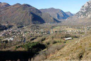 Vue sur la vallée de l'Ariège - Montée au pla de Toulzan (950m)