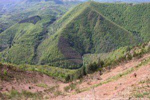 Vue sur la vallée de l'Arac - Sentier du plateau de Guirel (1134m)