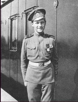 Alexis en uniforme de caporal, 1916