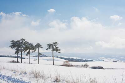 Neve, cielo, nuvole e 5 paladini che sfidano il vento