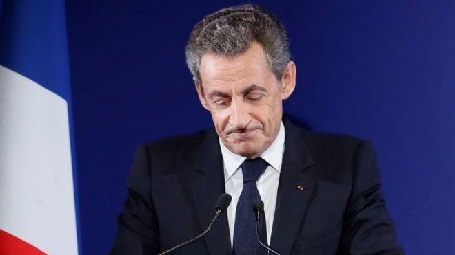 """""""Nicolas Sarkozy reconnait sa défaite et annonce qu'il votera François Fillon au second tour"""""""