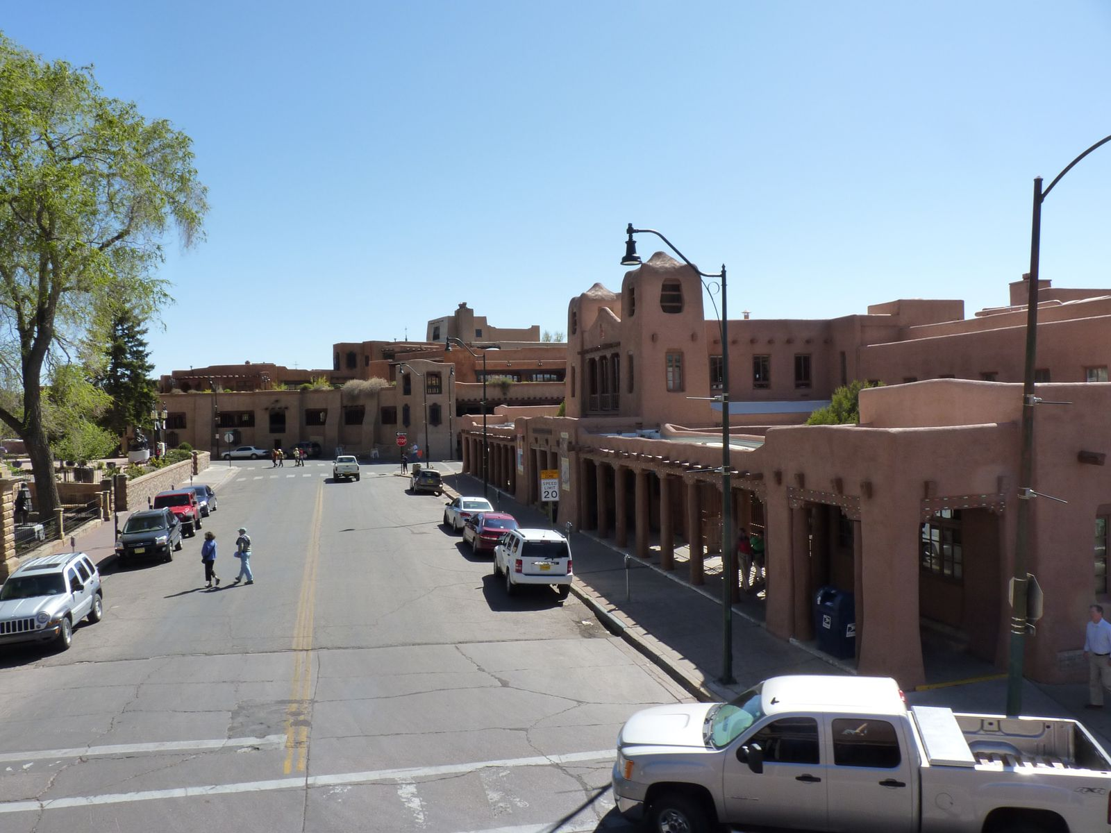 Autour de la Plaza