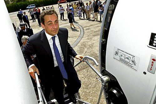 lekiosqueauxcanards-Sarko-avion.jpeg