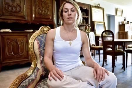 Anne-Sophie Leclère ; la beauf inculte condamnée à 3000 euros d'amende avec sursis
