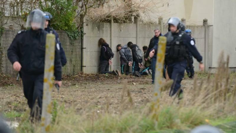 Lycéens parqués à Mantes-la-jolie : l'État se fait respecter enfin !