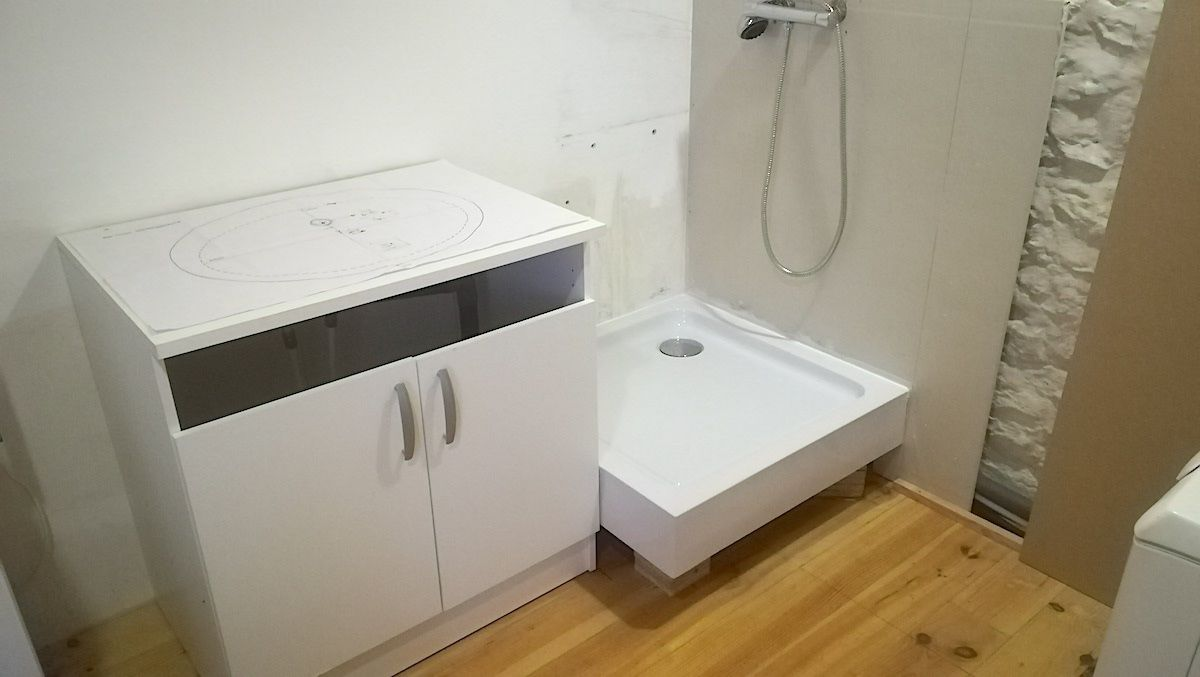 Le cellier devient une salle d'eau !