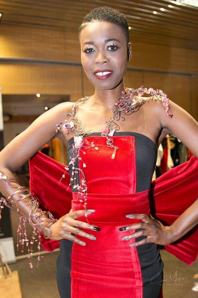 "Plastron et manchette "" Oniric "" - Modèle Khoudia Mbaye - Photo Eric Meyss - Fashion Glam Couture Lyon 2017"