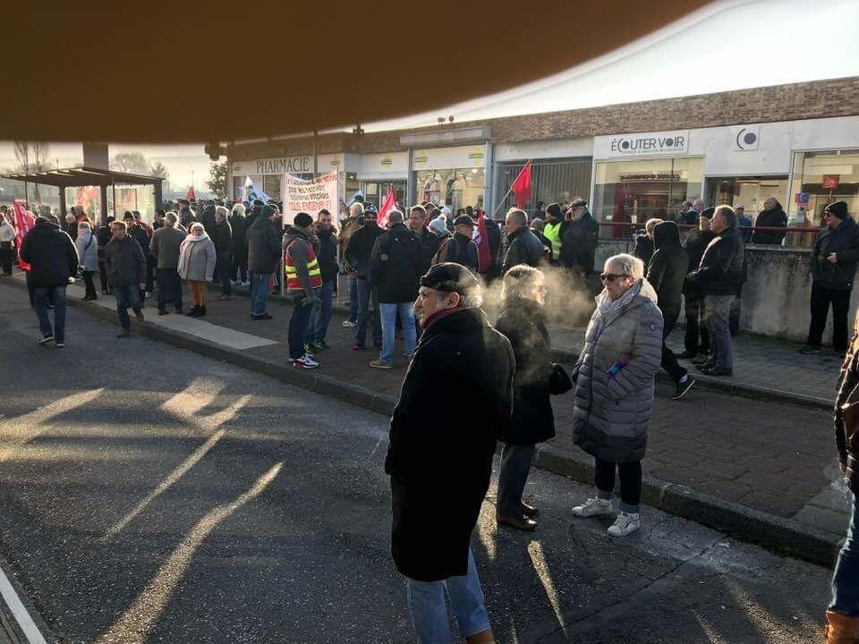 Environ 2500 manifestants à Vierzon.