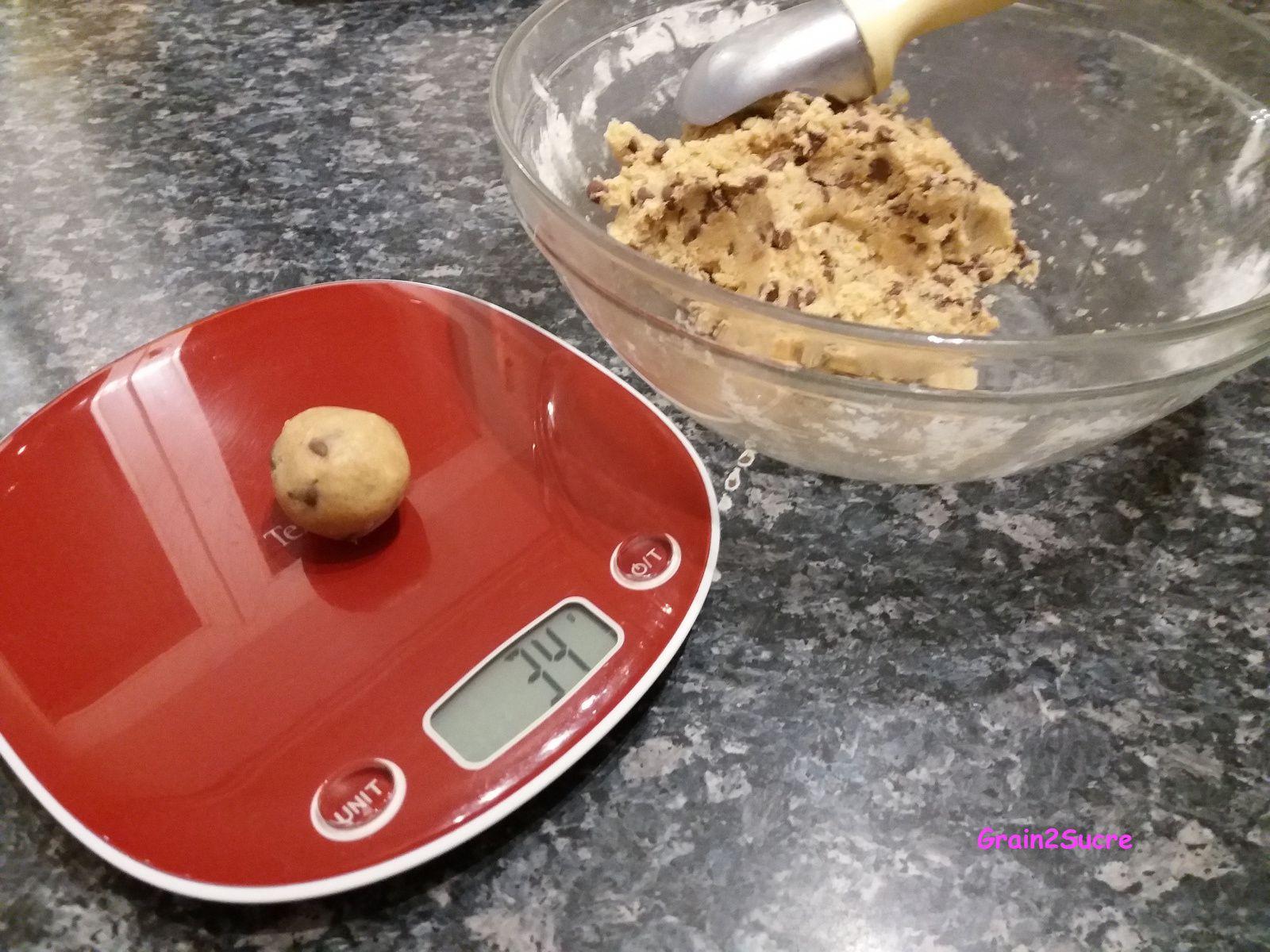 Recette Grain2Sucre. Cookies : farine, œuf, beurre, sucre, pépites de chocolat, noix...