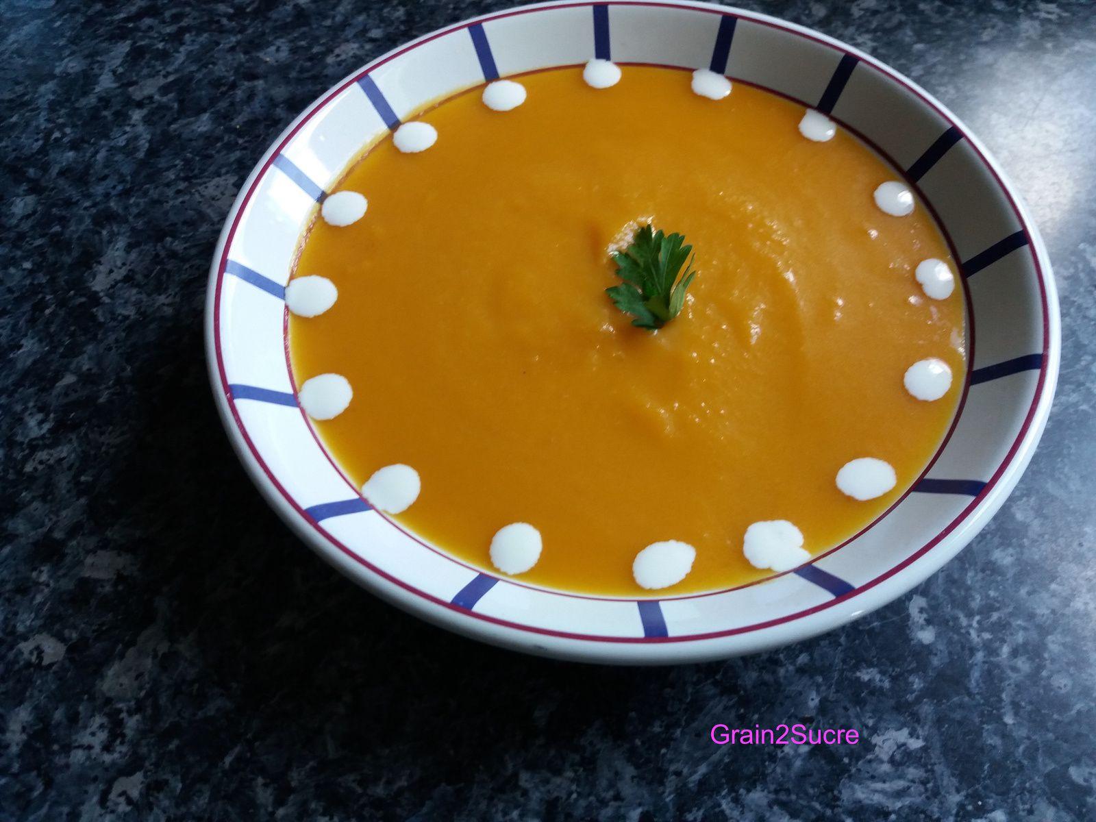 Grain2Sucre. Recette. Velouté de potimarron, potimarron, oignon, échalotes, sel, poivre, beurre, huile d'olive