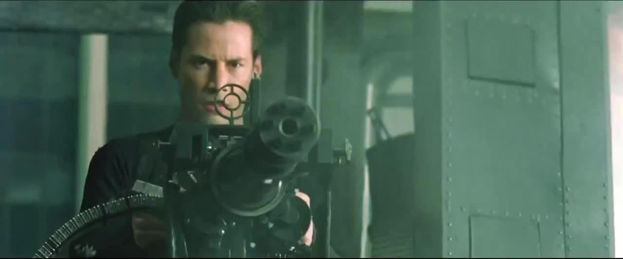 Et en plus dans Matrix Reloaded il y a une des meilleurs scènes de poursuite en voiture