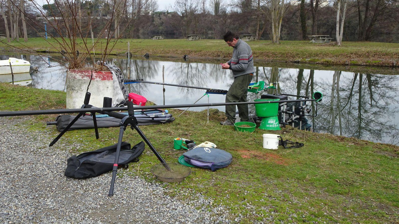 La préparation du poste de pêche et de la canne à pêche