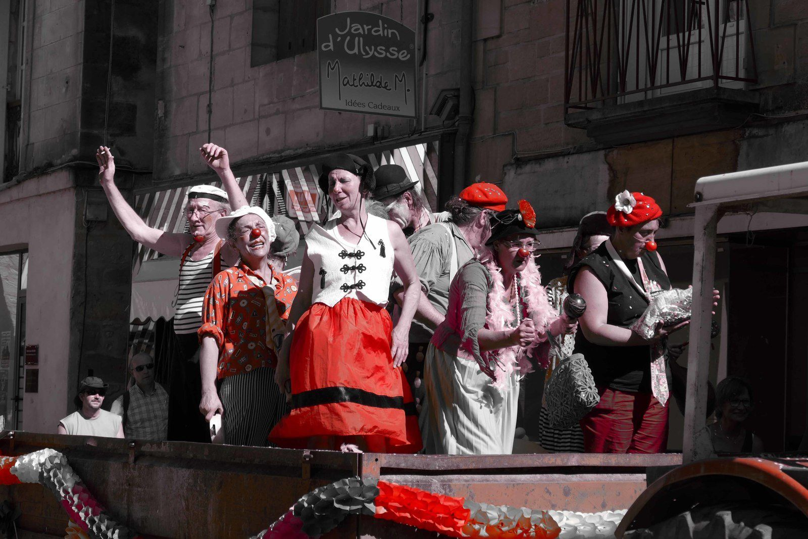 parade des clowns juin 2017 photo R.Levaché