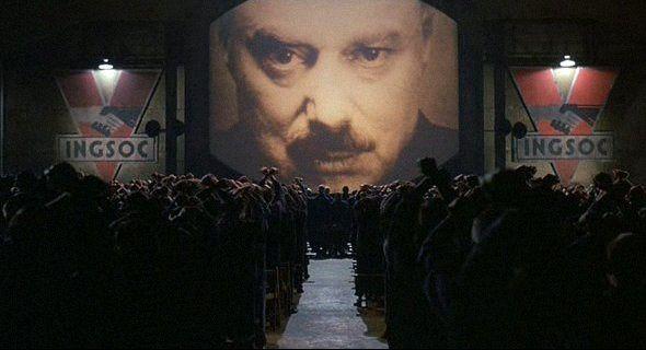 Image tirée du film 1984, réalisé par le Britannique Michael Radford, et inspiré du roman éponyme de George Orwell publié en 1948.