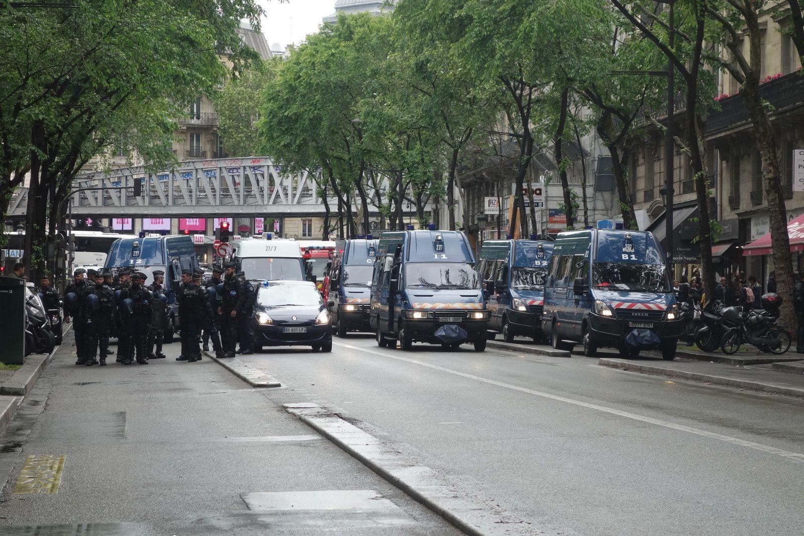 Déploiement des forces de police le 4 mai dernier, près de Gare du Nord, à Paris.