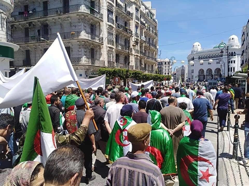 Manifestation à Alger, le 10 mai. (Crédit photo © Said Salhi)