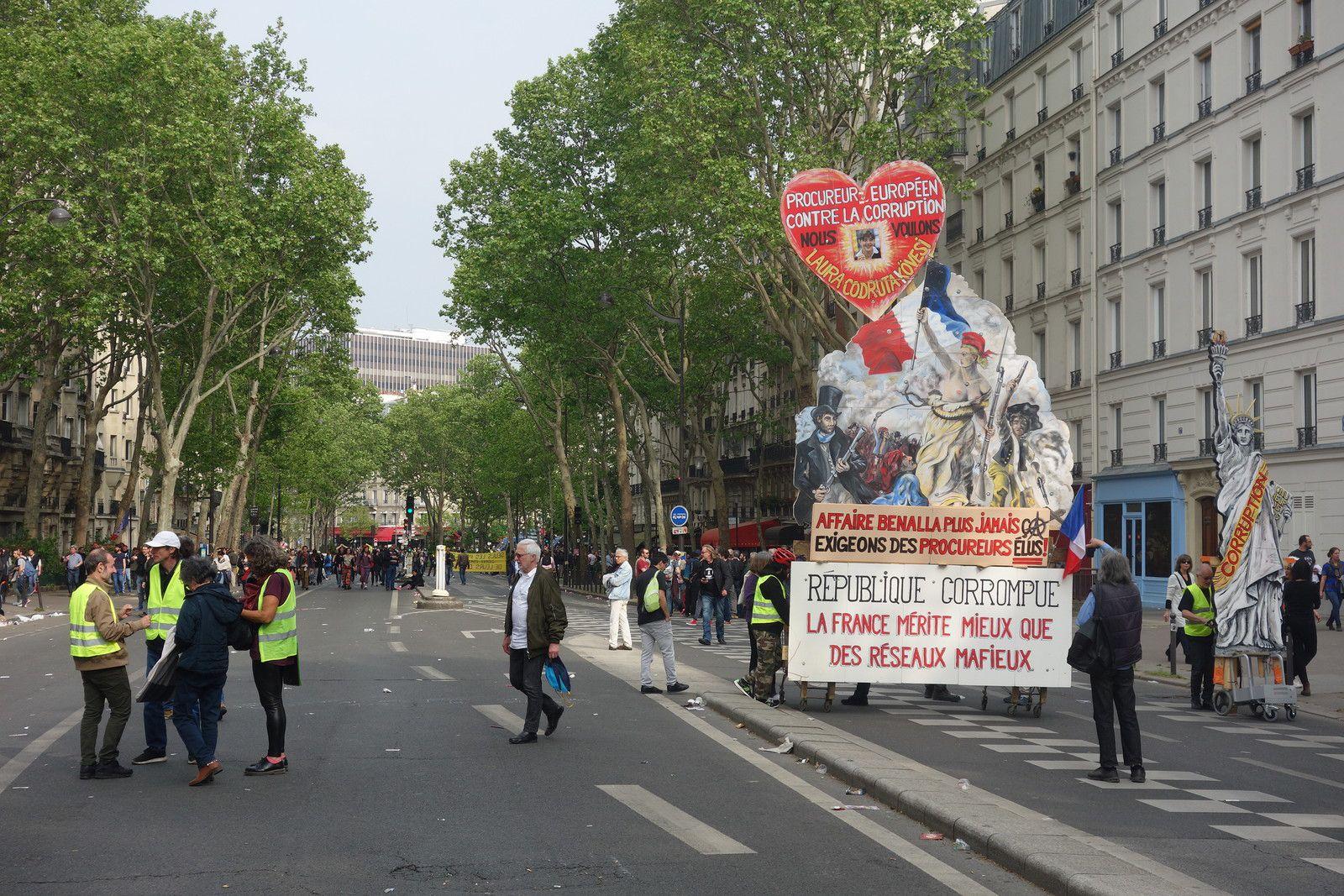 Lors de la manifestation du 1er mai 2019 à Paris, pour la Fête du Travail.