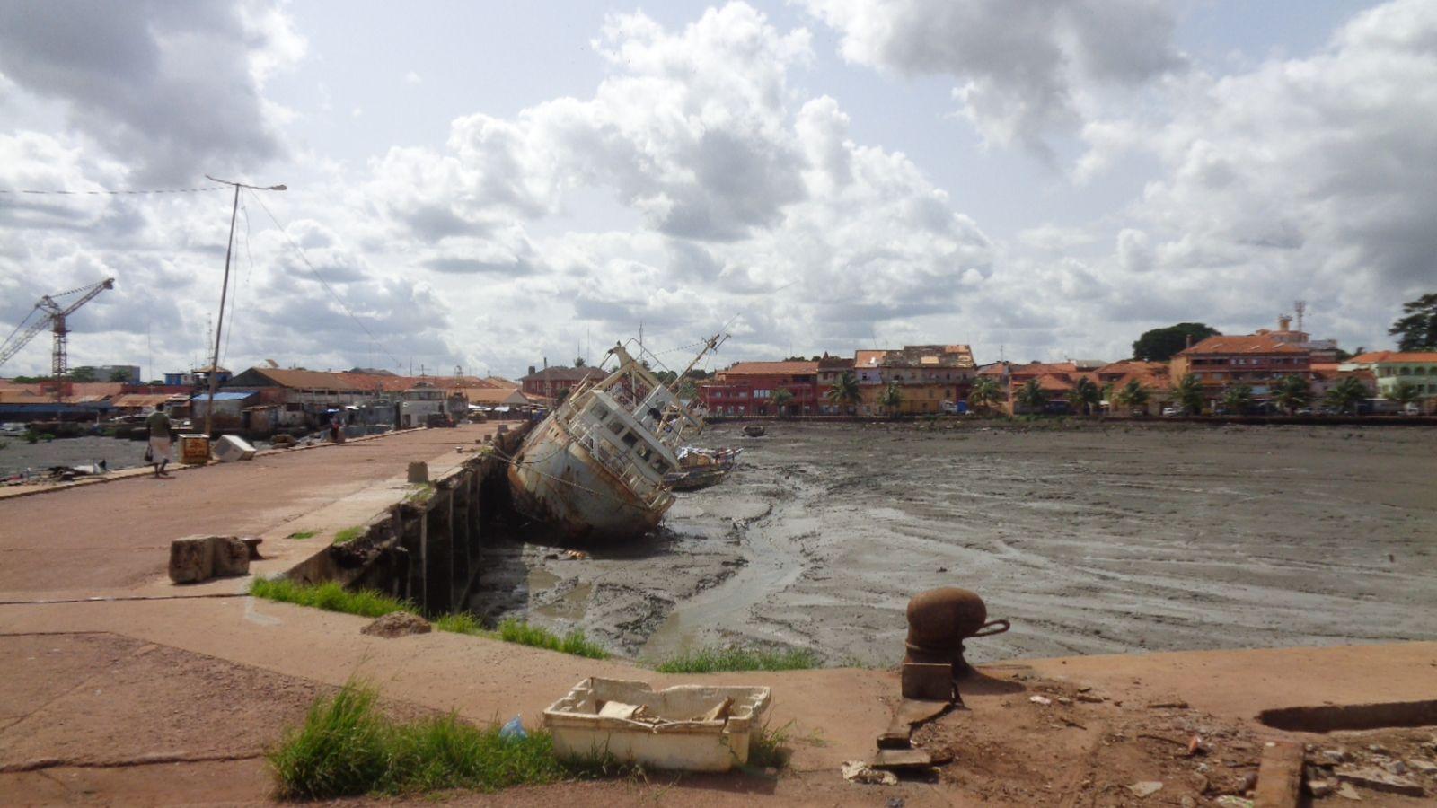 Port de Bissau, en Guinée-Bissau.