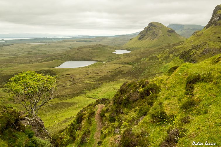 QUIRAING ECOSSE SKYE ISLANDS LOCH BEN CORBETT GLEN GRAHAM