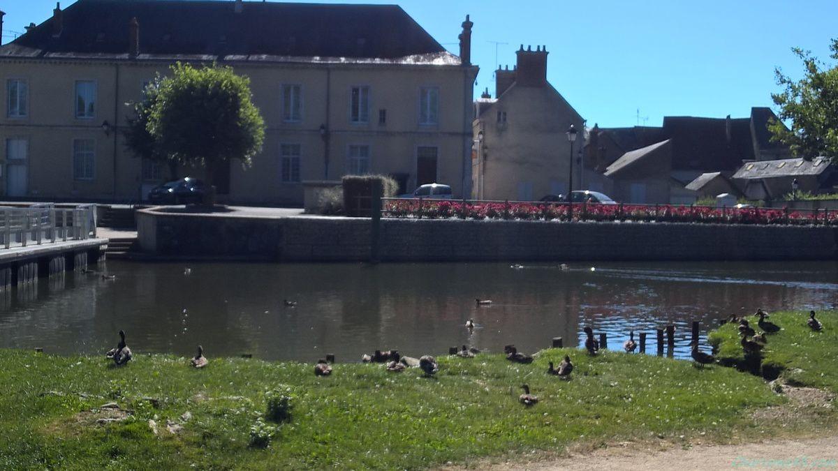 Cloyes sur Loir (Voyages en camping-car)