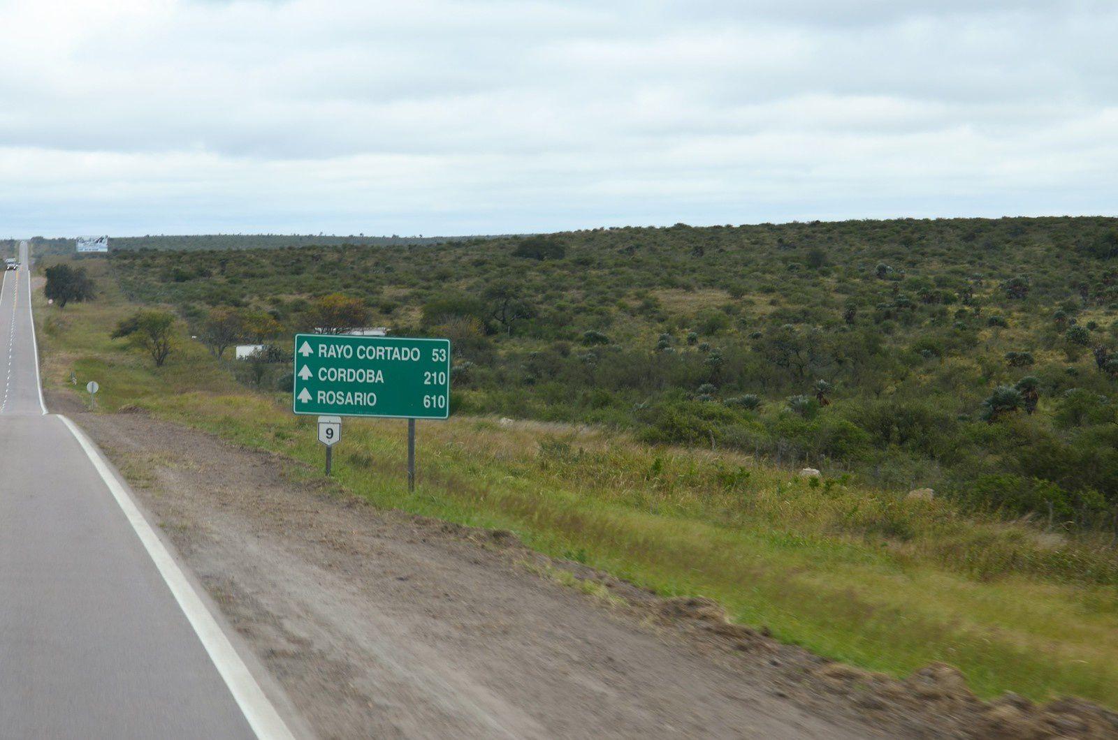 Ruta 9 Santiago del Estero-Cordoba (Argentine en camping-car)