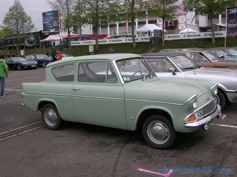 Ford Anglia (Classic-Days en camping-car)