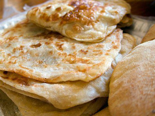Certes Chaytan mange librement du repas sur lequel le nom d'Allah n'a pas été mentionné