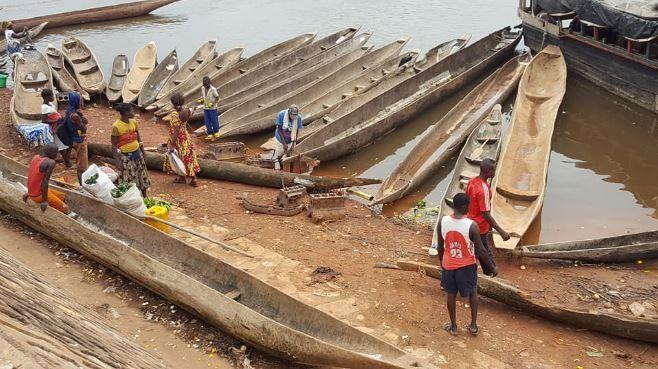 """Les """"péages"""" des groupes armés centrafricains sur le fleuve Oubangui"""
