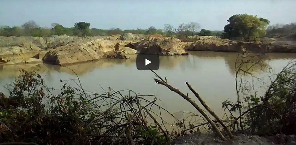 """En Centrafrique, une """"rivière en ruines"""" à cause d'entreprises minières chinoises"""