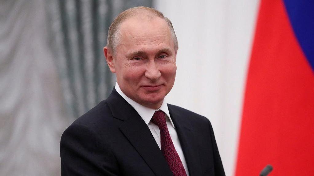 Poutine signale le retour russe en Afrique avec un ambitieux sommet