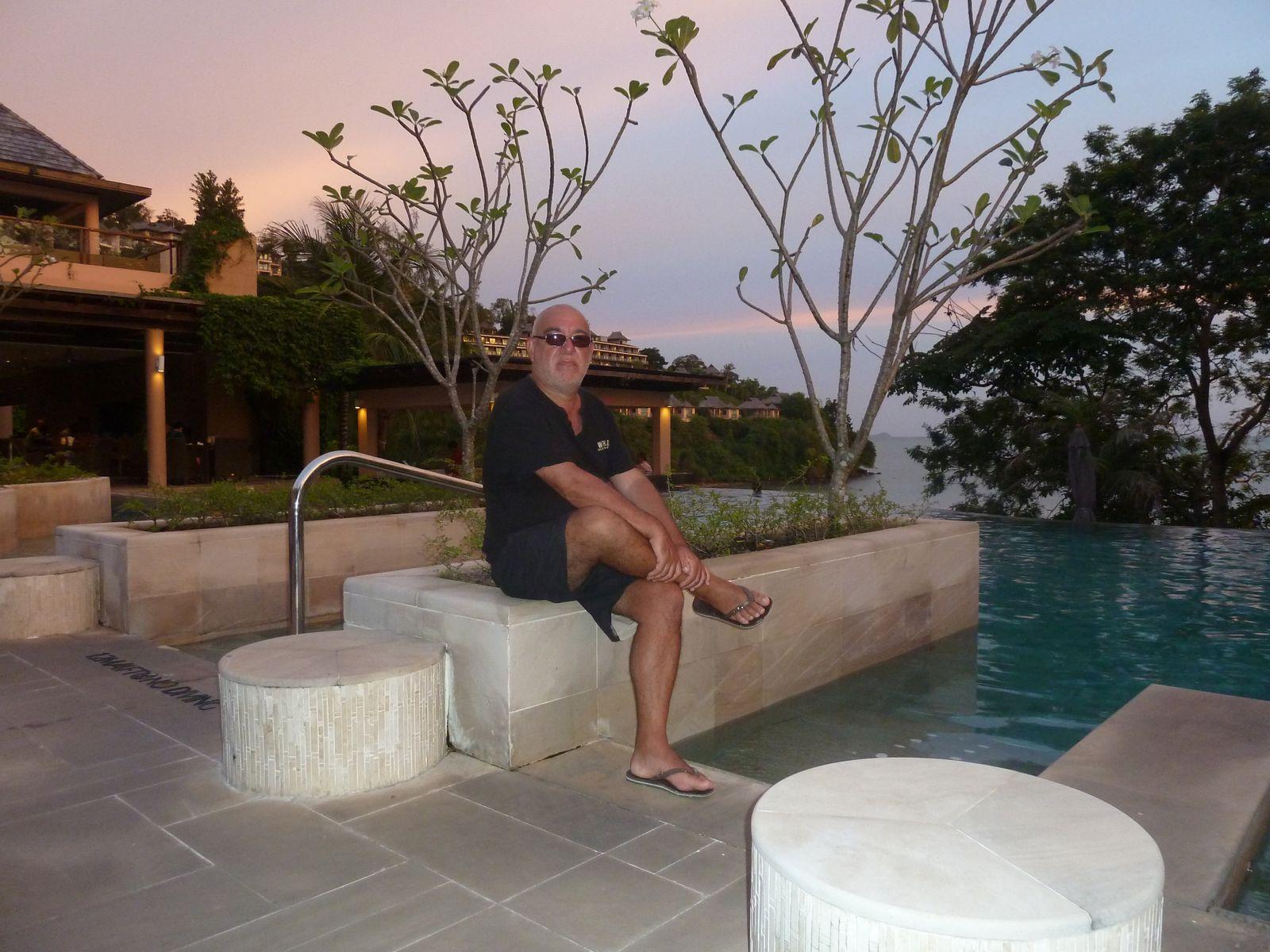 En réclusion culturelle à temps sur l'île de Ko Phuket (2)