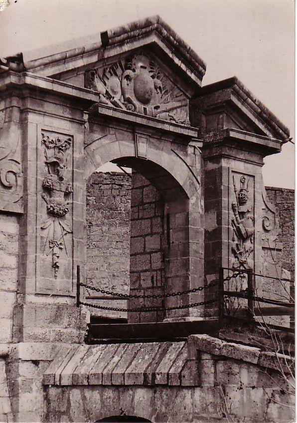La Cluse et Mijoux-1955-Le Château de Joux- Porte Louis XIV