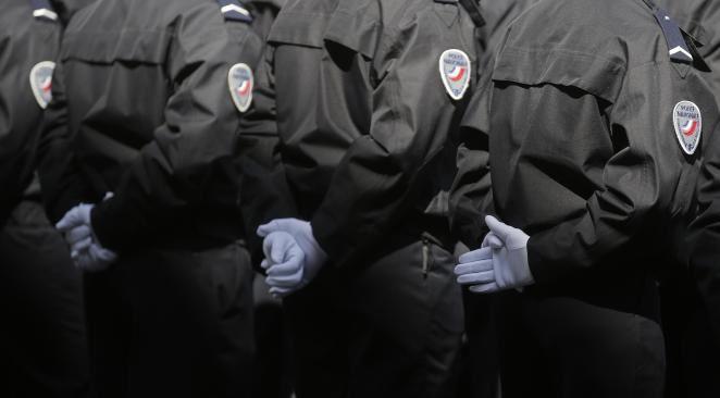 La refonte des renseignements souhaitée par Manuel Valls portera en premier lieu sur la DCRI où 1900 policiers supplémentaires seront affectés en plus de nouveaux moyens technologiques.  Crédit Reuters