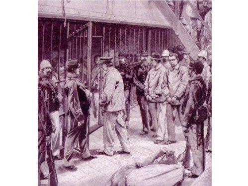 Parcours d'un condamné définitif au bagne colonial - «  Sous le Second Empire, le transport des condamnés est assuré par des bâtiments à voiles de la marine nationale équipés de grandes cages. Partant de Brest et de Toulon, selon les vents, ils mettaient de vingt cinq jours à un mois et demi pour atteindre la Guyane. Ils faisaient parfois escale à Alger pour embarquer les condamnés européens ( peu nombreux) et arabes réunis à la prison de Maison-Carrée. Entre 1852 et 1866, époque à laquelle les pouvoirs publics décidèrent de transférer le bagne en Nouvelle- Calédonie, on compte cinquante et un convois en direction de la Guyane, représentant seize mille huit cents cinq hommes et deux cents douze femmes transportés. Sur l'ensemble, six mille huit cents six hommes et femmes décédèrent, huit cent neuf disparurent et mille sept cent soixante dix furent rapatriés1.     Les conditions de voyage sur ces voiliers étaient particulièrement rudes. Les condamnés recevaient un hamac pour deux personnes dans lequel ils se relayaient jour et nuit. Ils avaient droit à une promenade sur le pont, accompagnés de gendarmes armés. A cette époque, la tenue carcérale était faite de lourde bure grise et les prisonniers baignaient dans leurs sueur dès qu'arrivaient les premières chaleurs. Malgré le temps passé en mer, la promiscuité dans les cages, le manque d'hygiène, les maladies à bord étaient rares à part un mal de mer presque permanent, et la mortalité faible... »2