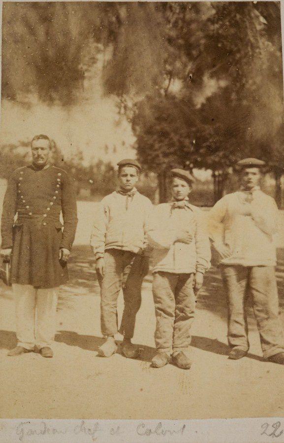Gardien-chef et colons Gardien-chef et colons photographie, années 1860, 4 F1 7
