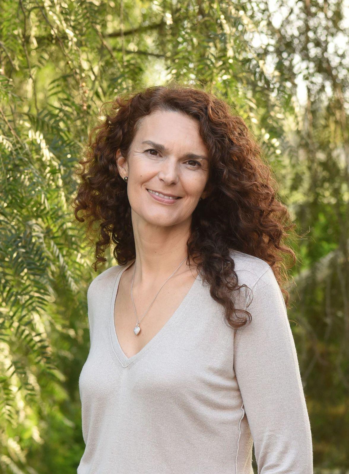 138 – Portrait du jour : Élisa Sebbel, l'auteure du roman « La prisonnière de la mer »