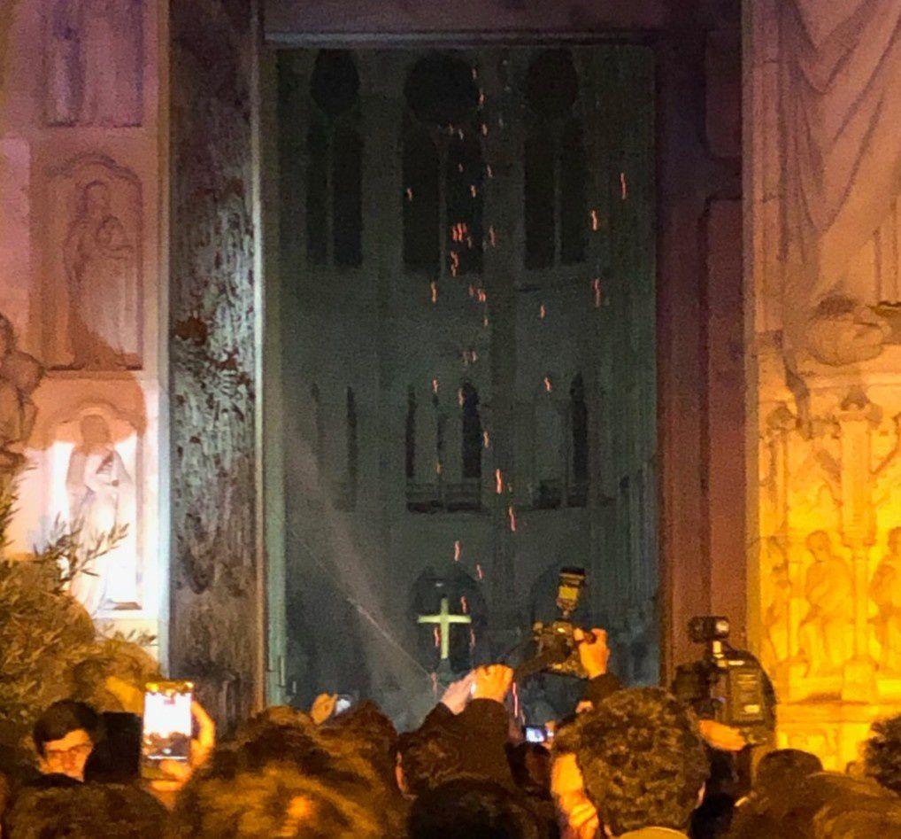 Ô Croix d'amour, puisons-y force et espérance - En action de grâce aux miracles dans l'incendie en la Cathédrale Notre-Dame de Paris