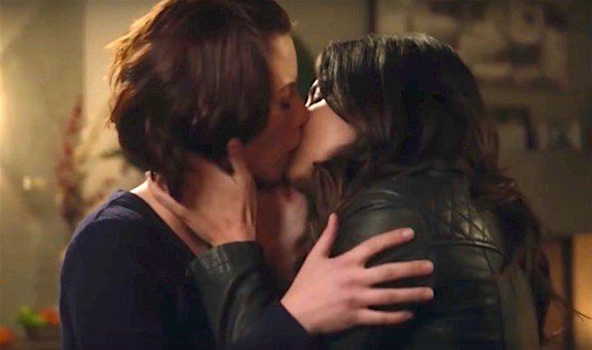 Les plus beaux baisers lesbiens du petit et du grand écran de 2016