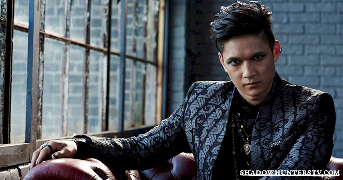 Magnus Bane (Harry Shum Jr) – Shadowhunters
