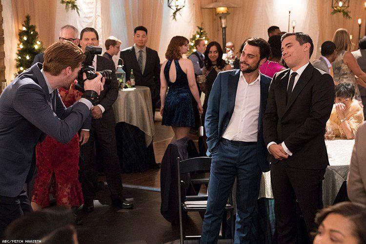 Photos exclusives: le mariage de Connor et Oliver dans Murder saison 5