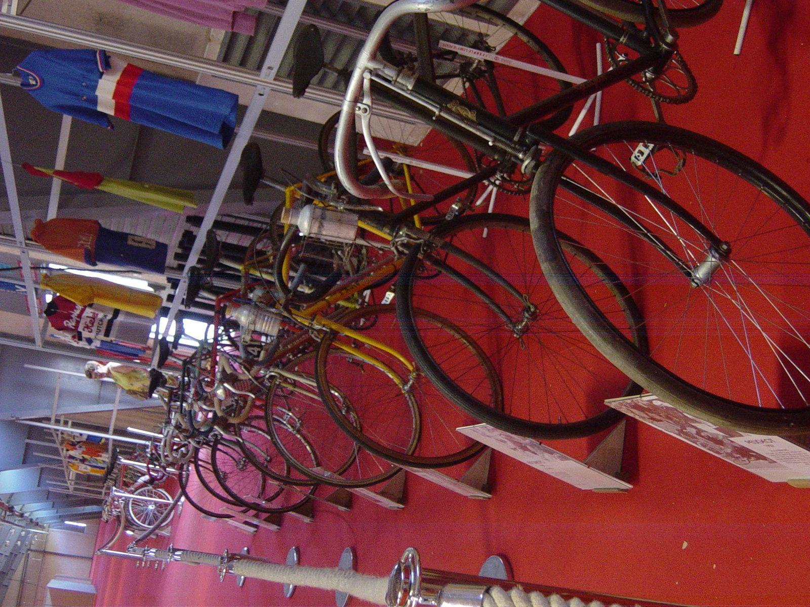 Vélos de 1903 à 1964.