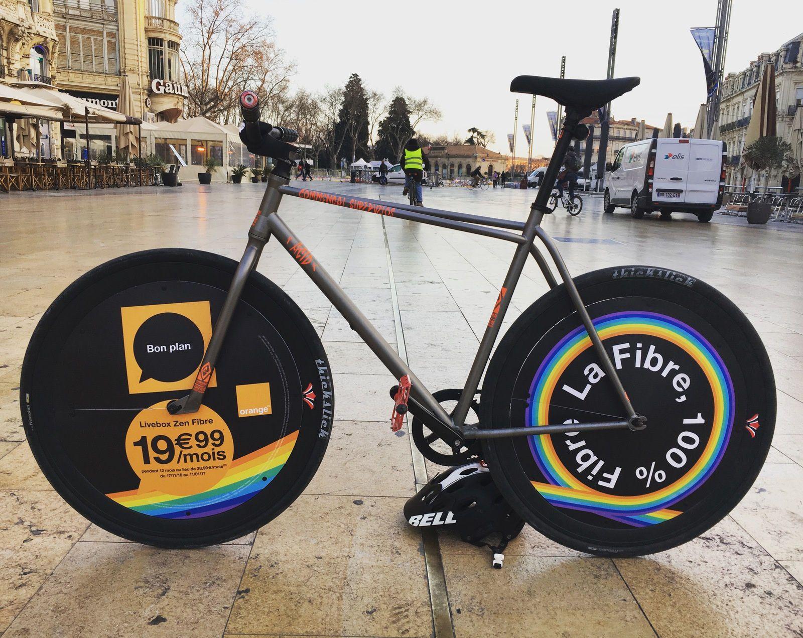 Ecovelo - publicité centre-ville - publicité  originale - régie publicitairespécialisée vélo - sponsoring de cyclistes - agence média outdoor - communication green - vélo de courtoisie garagiste