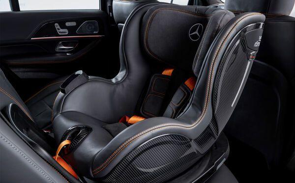 Prototype futuriste de siège auto Mercedes By Britax